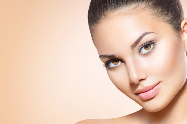 It Is Difficult To Achieve A Natural Flawless Look While Lying Traditional Foundation Since Heavy And Usually Does Not Exactly Match Your Skin