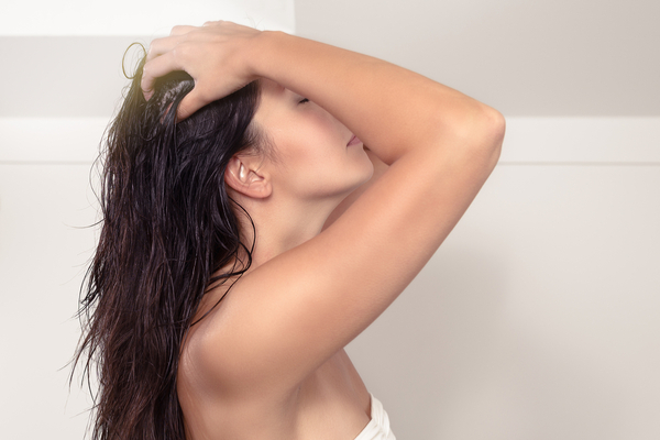 Benefits of Oiling Hair