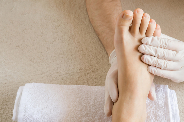 Home Remedies to Pamper Your Feet