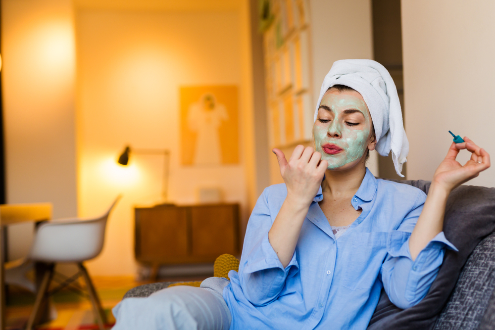 Get a AtHome Salon beauty treatment at home - cosy & comfy!