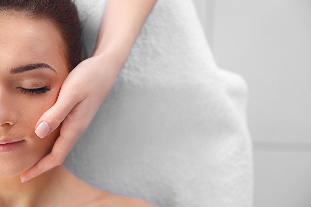 Massage and rejuvenate your gorgeous skin